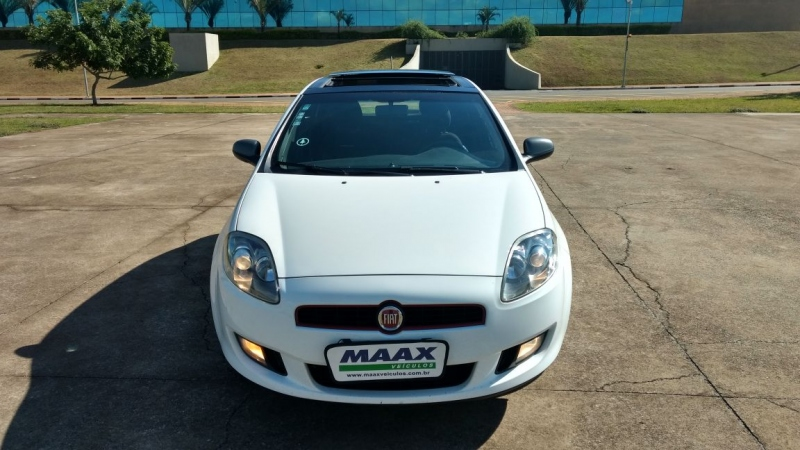 FIAT BRAVO 1.8 SPORTING 16V FLEX 4P MANUAL