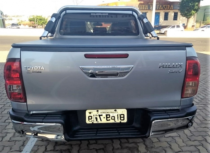 TOYOTA HILUX 2.8 SRV 4X4 CD 16V DIESEL 4P AUTOMATICO
